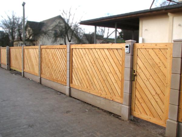 Ворота из террасной доски